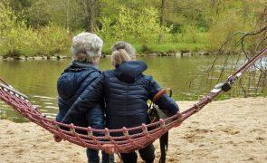 7 dicas para prevenir ou atenuar os sintomas da menopausa