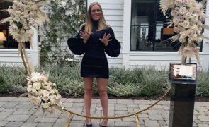 Adele treina três vezes por dia e admite vício em exercício