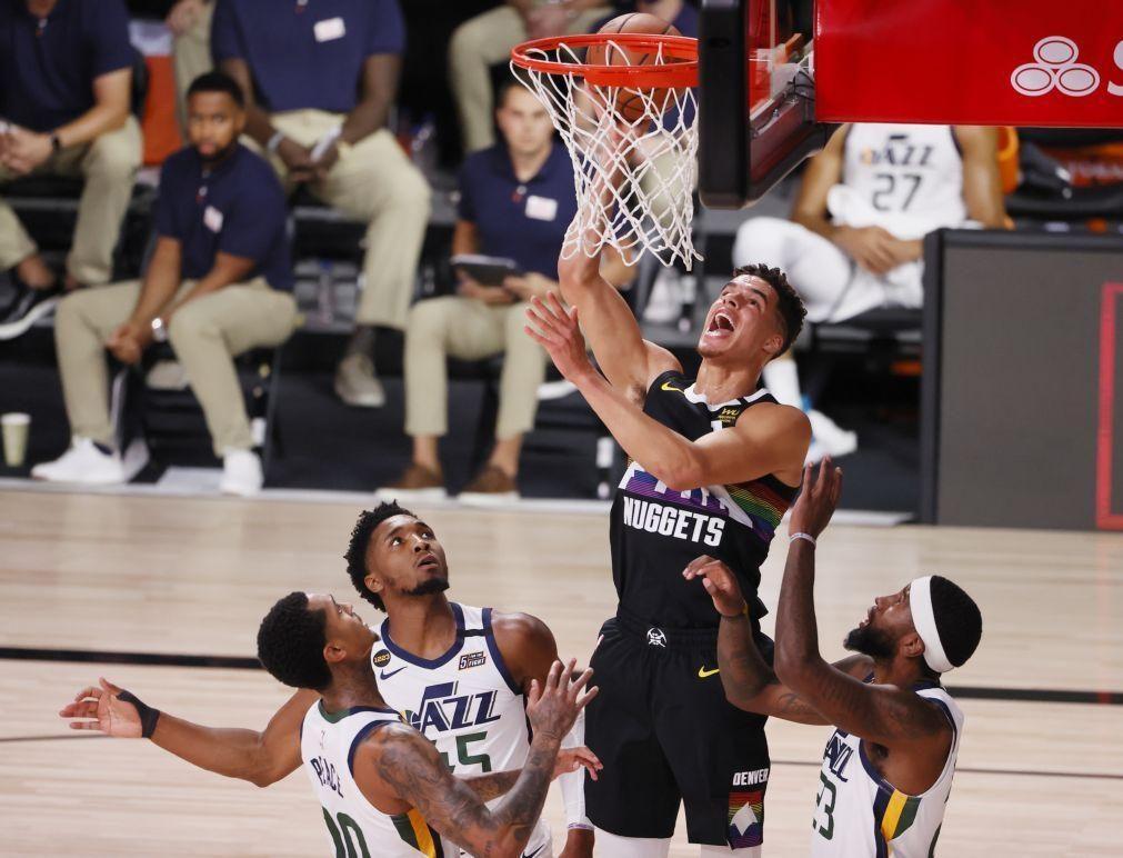 Denver batem Utah na 'negra' e seguem em frente nos 'play-offs' da NBA