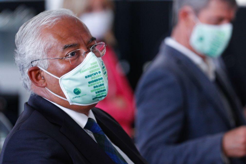 Covid-19: Costa considera mais restritivo uso obrigatório de máscara do que da 'app'