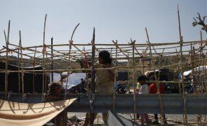 Cerca de 800 migrantes já instalados no centro temporário em Lesbos