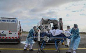 Covid-19: França regista 386 mortos devido ao vírus