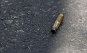 Pai pede justiça após morte do filho em incidente com a polícia em Moçambique