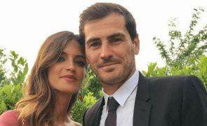 Sara Carbonero e Iker Casillas juntos e cúmplices em casamento de amigos, 4 meses após separação