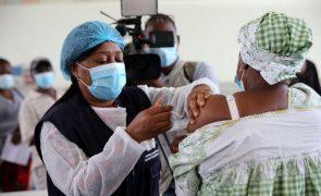 Covid-19: Vacinas de Ti Celito começam a ser administradas em Angola