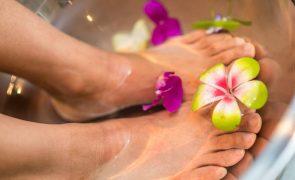 Pés saudáveis no verão: o primeiro passo para férias perfeitas