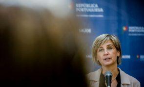 Covid-19: Ministra da Saúde defende que vacinação de jovens