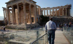 Acrópole de Atenas fecha ao público durante a tarde devido a onda de calor