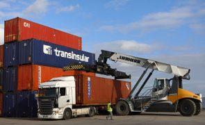 Exportações e importações de bens aumentam 21,4% e 29,4% em junho
