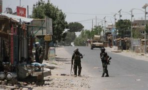 Afeganistão: Pelo menos 27 crianças morreram nas últimas 72 horas nos combates com talibãs