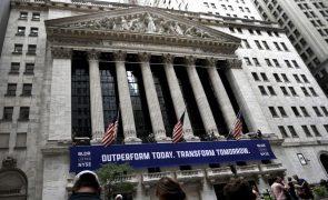 Bolsa de Nova Iorque segue em terreno negativo após máximos dos últimos dias