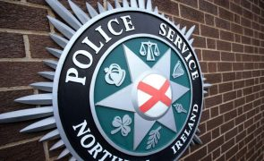 Polícia da Irlanda do Norte investiga dois ataques