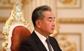 China critica retirada dos EUA do Afeganistão, mas espera trabalho conjunto