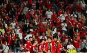 Benfica vence PSV Eindhoven e fica em vantagem no 'play-off' para a 'Champions'