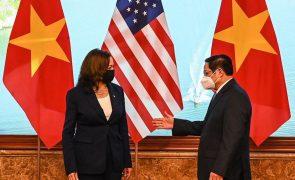 Covid-19: EUA vão doar mais um milhão de vacinas ao Vietname