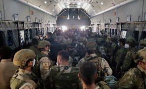 Afeganistão: Vários países retiram-se de Cabul a quatro dias do fim do prazo