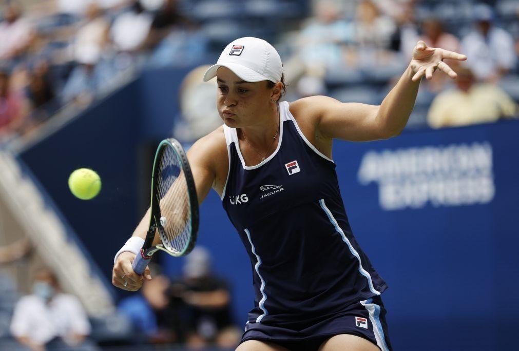US Open: Ashleigh Barty vence Vera Zvonareva e segue para a segunda ronda