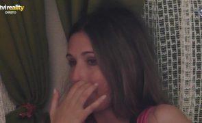 Big Brother. Rita chora porque não consegue tomar banho