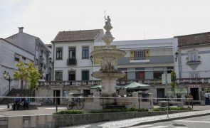 Chuva intensa causa inundações em ruas, empresas e estabelecimentos de Ovar
