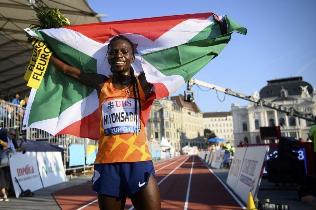 Burundesa Niyonsaba bate recorde do mundo dos 2.000 metros