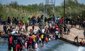 EUA começam a enviar migrantes haitianos do Texas para casa