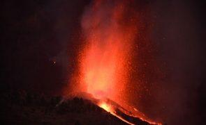 Autoridades preveem retirar de La Palma até 10.000 pessoas devido a erupção do vulcão Cumbre Vieja