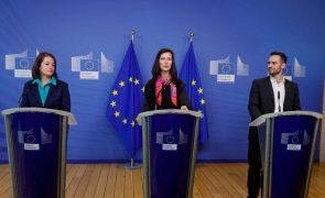 Comissão Europeia lança aplicação móvel Erasmus+ para Cartão Europeu de Estudante