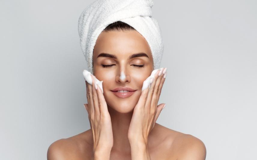 Como transformar a esfoliação da pele num hábito saudável