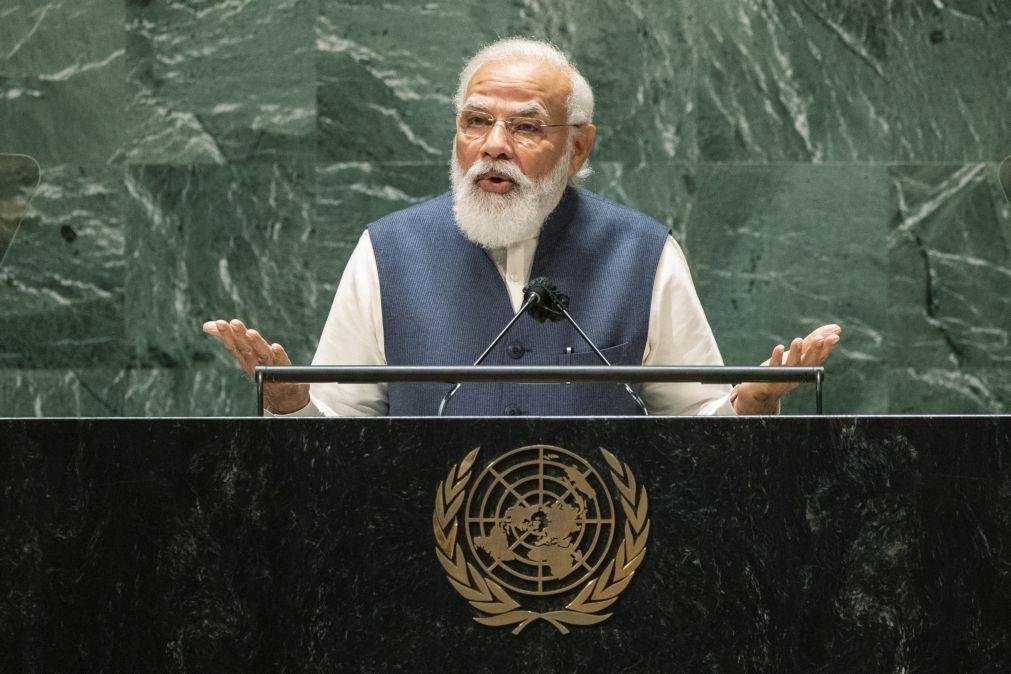 Índia opõe-se aos talibãs em Cabul e acusa Paquistão de extremismo