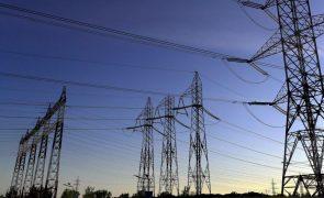Governo moçambicano aprova revisão da lei de eletricidade