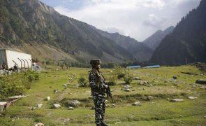 Exército indiano acusa China de reforço da presença militar na fronteira dos Himalaias