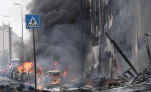 Avião privado choca com edifício em Milão e causa oito mortos
