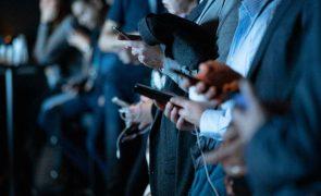 Apagão das redes sociais revela que parte da sociedade é nomofóbica
