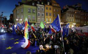 Grandes protestos na Polónia em defesa da adesão à União Europeia