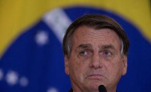 Covid-19: Bolsonaro irrita-se com pergunta sobre os mais de 600 mil mortos no Brasil