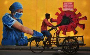 Covid-19: Índia com o número de novos casos mais baixo desde março