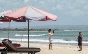 Covid-19: Bali reabre para turistas de 19 países e Portugal está incluído